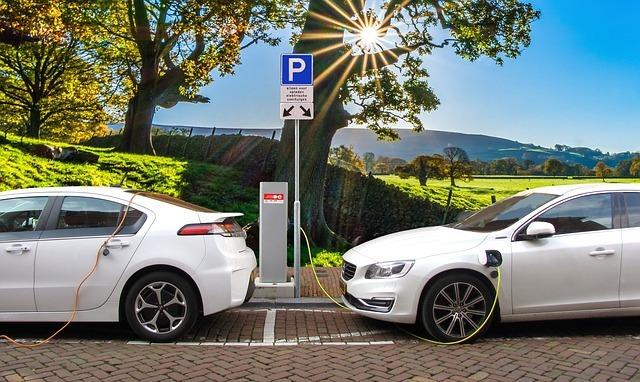 Cómo comprar un coche eléctrico, ¿nuevo o de segunda mano?